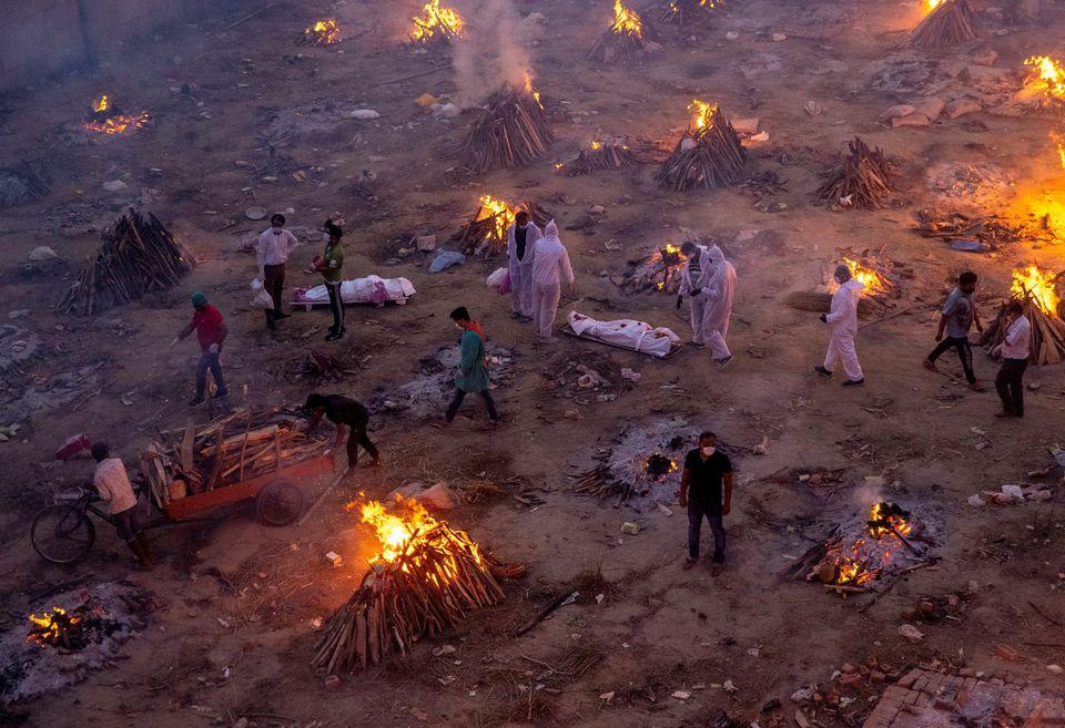 भारतमा एकैदिन झण्डै ४ लाख जनामा कोरोना, ३४९८ सङ्क्रमितको मृत्यु